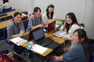 総合デザイン科の学生たち