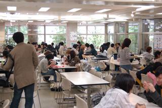 大人気学生食堂